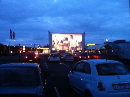 Rosengårdscentret, Digital afvikling af Klovn - the movie, Drive in med FM sender